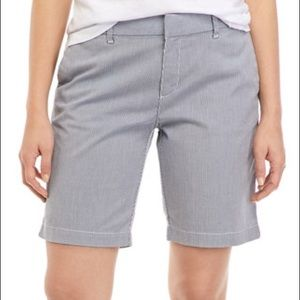 TOMMY HILFIGER || 9 Inch Hollywood Chino Shorts